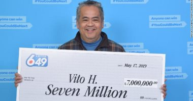 ربح 5 ملايين دولار فى اليانصيب.. عامل نظافة يرفض ترك وظيفته رغم ثرائه