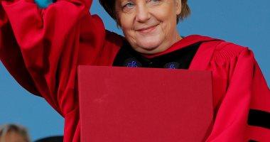 صور .. جامعة هارفارد تمنح ميركل شهادة الدكتوراه الفخرية فى القانون