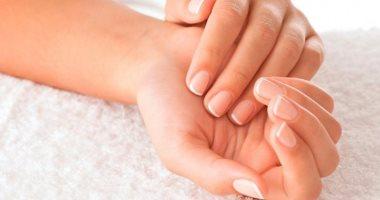 زيت جوز الهند أو بذور الكتان.. وصفات طبيعية لتقوية الأظافر