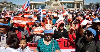 صور.. آلاف يحتشدون فى منغوليا مطالبين بتنحى الحكومة وسط مزاعم فساد