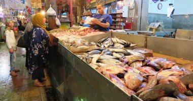 أسعار السمك بسوق العبور للجملة اليوم.. انخفاض البلطى المزارع