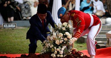 صور.. إندونيسيا تشيع جنازة سيدتها الأولى السابقة