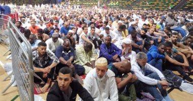 """صور.. آلاف المسلمين يؤدون صلاة عيد الفطر فى """"بلباو"""" الإسبانية"""