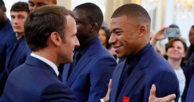 ماكرون يمنح لاعبى منتخب فرنسا وسام الدولة التقديرى