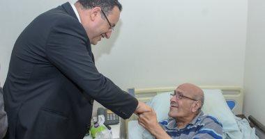 محافظ الإسكندرية يتفقد دارا للمسنين للاطمئنان على النزلاء فى عيد الفطر