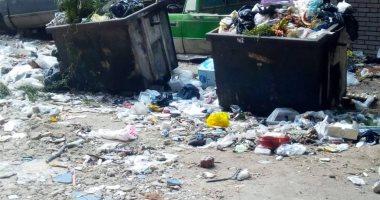 أهالى مصر القديمة متضررين من انتشار القمامة أمام محطة مياه الشيشينى