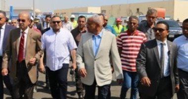 صور.. شريف إسماعيل وصقر يتفقدان استاد السويس استعدادًا لأمم أفريقيا