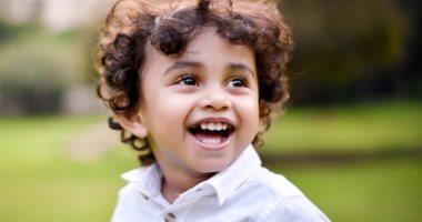 طفل بريطانى برئة وكلى واحدتين وقلب فى الجانب الأيمن يكمل عامه الثالث