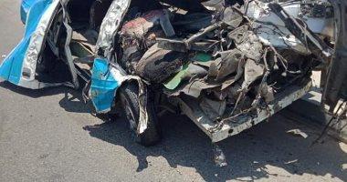 النيابة تنتقل لمناظرة جثث 14 شخصا توفوا بحادث تصادم على طريق الاوتوستراد