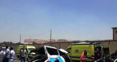 إصابة شخصين فى حادث تصادم سيارتين أعلى الطريق فى العياط