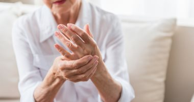 لو عندك التهاب المفاصل.. 5 أطعمة أساسية ضيفها لنظامك الغذائى