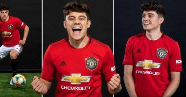 دانيال جيمس يظهر بقميص مانشستر يونايتد لأول مرة.. صور