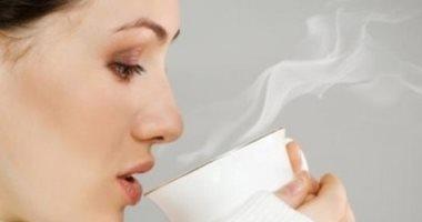 10 فوائد لشرب الماء الدافئ.. يخفض الوزن ويخلصك من السموم ويعالج الإمساك