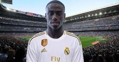تفاصيل صفقة تعاقد ريال مدريد مع ميندي