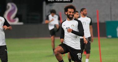 شاهد ضحكة صلاح.. و استغراب عمر جابر فى مران منتخب مصر