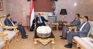 حكومة اليمن تسعى للحد من احتكار الحوثى لمنظومة الاتصالات