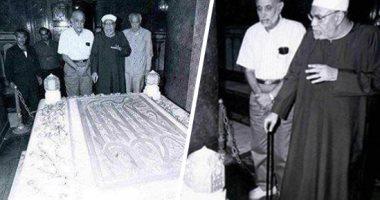 الشيخ الشعراوى أمام ضريح عبد الناصر