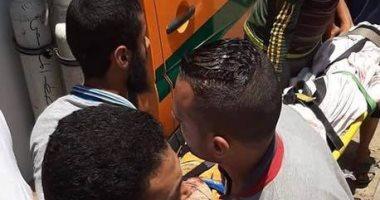 صور.. إصابة شخص اصطدمت سيارته بسور محور 26 يوليو اتجاه أكتوبر