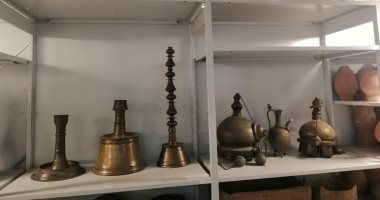 شاهد .. مخازن الآثار بالمتحف القومى للحضارة المصرية