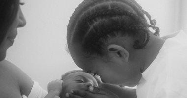 شاهد..كيم كاردشيان تكشف عن أحدث صورها مع طفليها سانت وبيسالم
