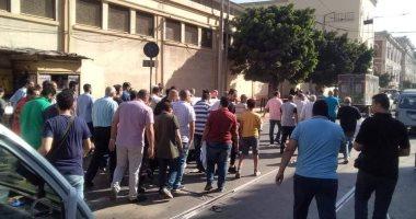 صور.. تشييع جثمان والدة الفنانة مروة ناجى بمسجد العمرى بالإسكندرية