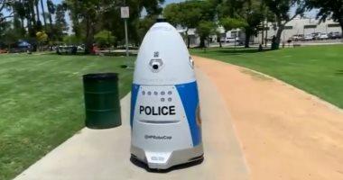 فيديو.. ولاية كاليفورنيا تلجأ للشرطى الآلى بهدف مكافحة الجريمة