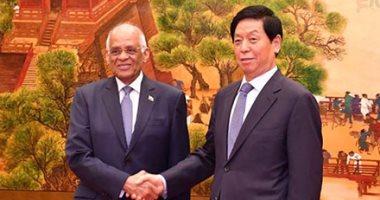 """تعرف على تفاصيل لقاء """"عبد العال"""" برئيس اللجنة الدائمة للبرلمان الصينى × 9 نقاط"""