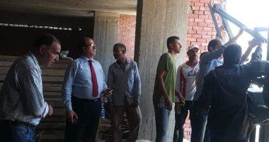 صور.. حملة لإزالة أبنية مخالفة فى حى الزيتون شمال القاهرة