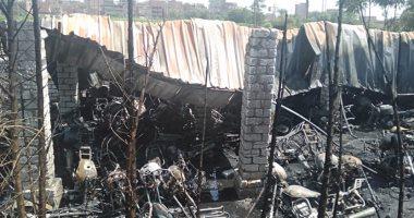 صور.. السيطرة على حريق بجراج موتوسيكلات خاص بطوخ بالقليوبية