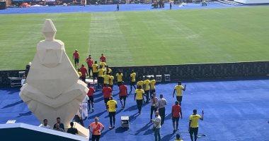صور.. منتخب أوغندا يعاين أرضية استاد القاهرة قبل انطلاق مبارياته بأمم أفريقيا