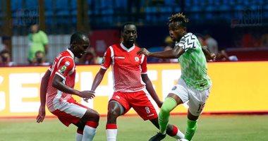 """ضيوف لـ""""time sports"""": لاعبو نيجيريا أخطأوا فى حق بلدهم وعليهم الاعتذار"""