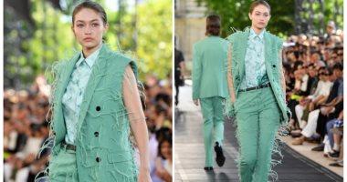 جيجى حديد تظهر مرة أخرى فى عرض أزياء Berluti بأسبوع الموضة للرجال بباريس