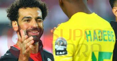 سوبر كورة يكشف سر غمزة صلاح للاعب زيمبابوى
