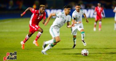 """رسميًا.. """"كاف"""" يغرم الجزائر ماليًا بعد شماريخ الدفاع الجوى"""