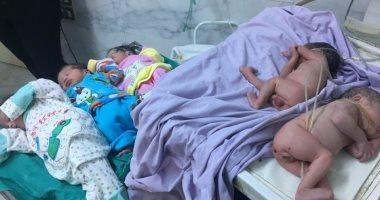 صور.. سيدة تلد 5 توائم بعد تأخر الحمل 7 سنوات فى المحلة