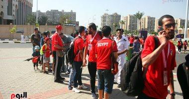 طوابير للجمهور أمام ستاد القاهرة لدعم مصر أمام الكونغو