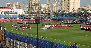 هتافات المشجعين تشعل حماس اللاعيبة فى مباراة نيجيريا و غينيا بالإسكندرية (صور)