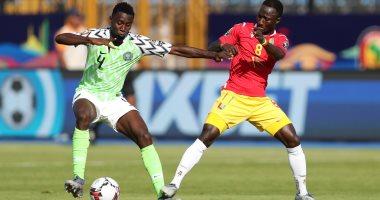 نيجيريا ضد غينيا.. التعادل السلبي مستمر بعد 70 دقيقة
