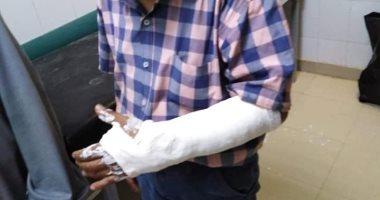 إصابة طبيب بيطرى بكسر فى الذراع أثناء مشاركته بحملات التحصين