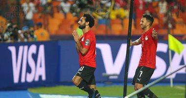 """صور .. صلاح يحتفل بـ"""" اليوجا """" بعد الهدف الأول له بكأس الأمم الأفريقية"""