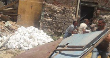إزالة تعديات عن أرض تابعة لهيئة الأوقاف بشرق الإسكندرية (صور)
