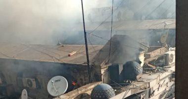 ننشر فيديو وصور السيطرة على حريق سوق الخضار فى الموسكى