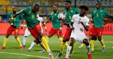 لماذا يرقص نجوم الكاميرون باستاد الإسماعيلية فى أمم أفريقيا؟ أويونجو يرد