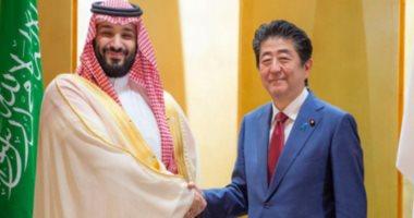 شاهد.. رئيس وزراء اليابان يهنئ ولى العهد السعودى باستضافة المملكة قمة الـ20 المقبلة