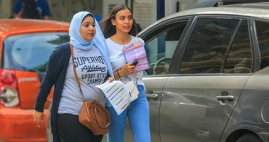 توافد طلاب الثانوى على اللجان بالقاهرة لأداء امتحان اللغة الأجنبية الثانية