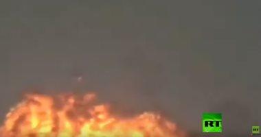 شاهد طيار مقاتلة هندية يلقى خزانى وقود بعد تعرضه لموقف خطير أثناء الإقلاع