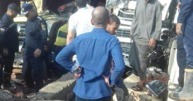 توقف حركة طريق الإسماعيلية الصحراوى بعد إصابة شخص فى تصادم سيارتين