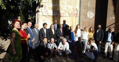"""سفير مصر بإيطاليا ورئيس جامعة حلوان يفتتحان معرض """"حكاية فن"""" بروما × 20 صورة"""