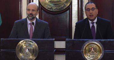 رئيسا وزراء مصر والأردن يوقعان على محضر اجتماعات اللجنة العليا المشتركة