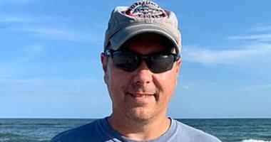 """على شاطئ ولاية كارولينا.. اكتشاف """"سن"""" سمكة قرش عملاقة انقرضت منذ 3 ملايين سنة"""